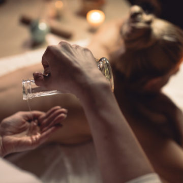spa-concept-with-woman_23-2147816905